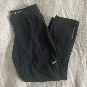 Nike Dri-fit small black crop leggings